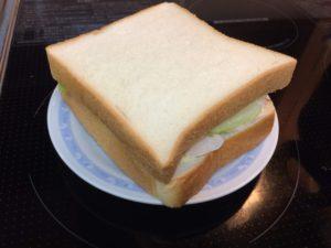 鶏ハムサンドイッチ