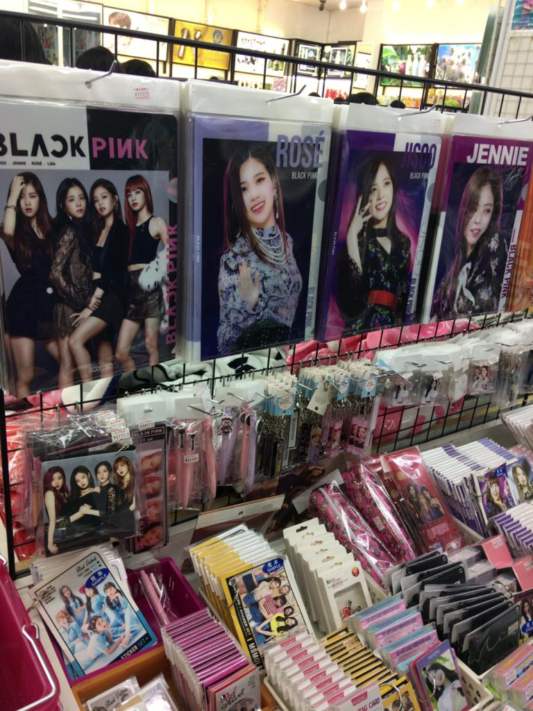 TWICE、BlackPink、BTS(防弾少年団)